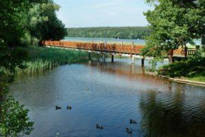 Zdjęcie drewinanego mostu